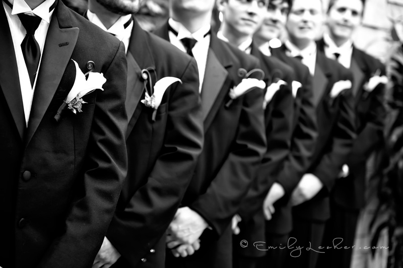 groomsmen with boutineers