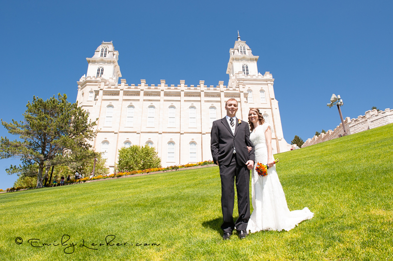 Manti Temple, Manti LDS temple, summer wedding, groom in suit, blue skies, 