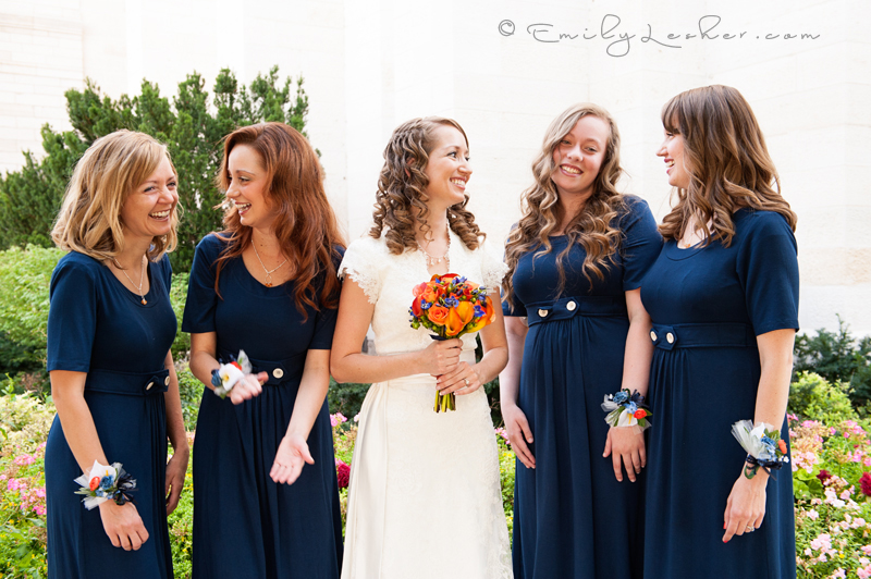 bridesmaids laughing, navy blue bridesmaid dresses, Manti Temple