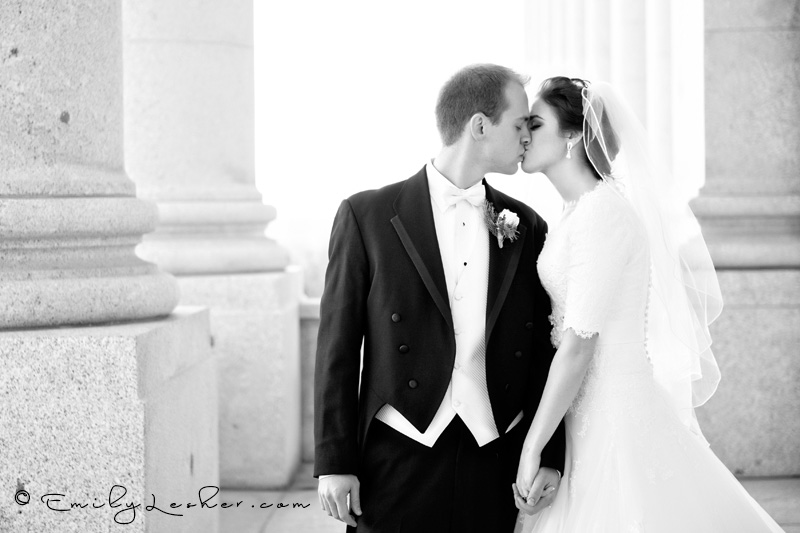 pillars, bride and groom kissing, black and white, Utah State Capitol Building